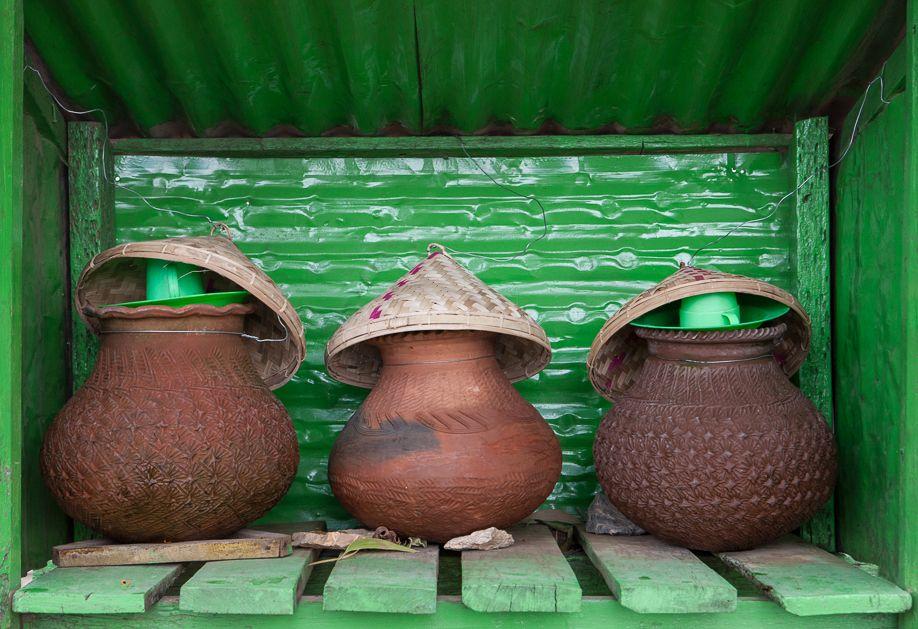 Myanmar (Burma) Nyaung Shwe water vessel vessels green