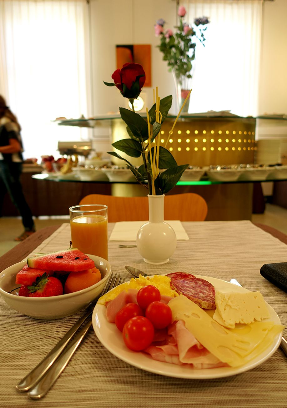 北イタリアぶらり探訪 ひとり旅 朝食