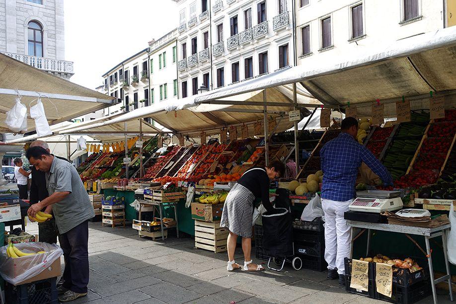 北イタリアぶらり探訪 ひとり旅 パドバのマーケット