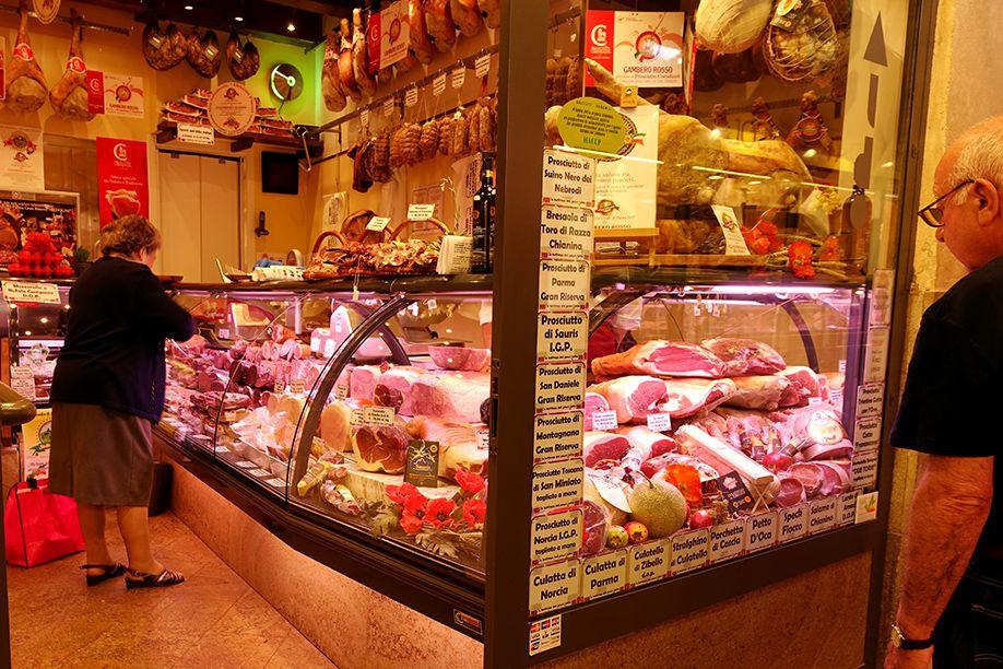 北イタリアぶらり探訪 ひとり旅 お肉屋さん