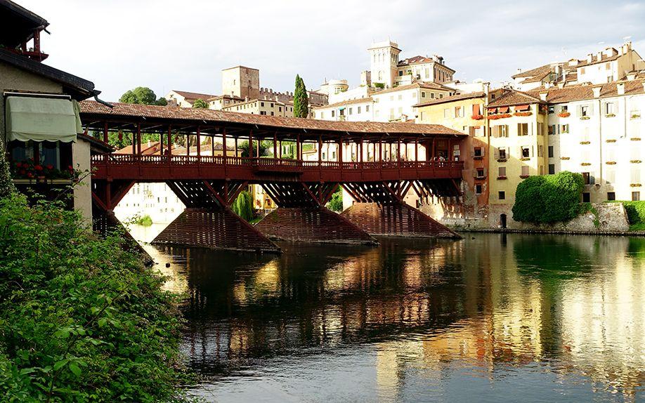 イタリア バッサーノデルグラッパ ポンテヴェッキオ橋