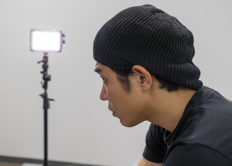 ポートレイト撮影の方法と照明を使った楽しみ方。 マンフロット LEDと被写体