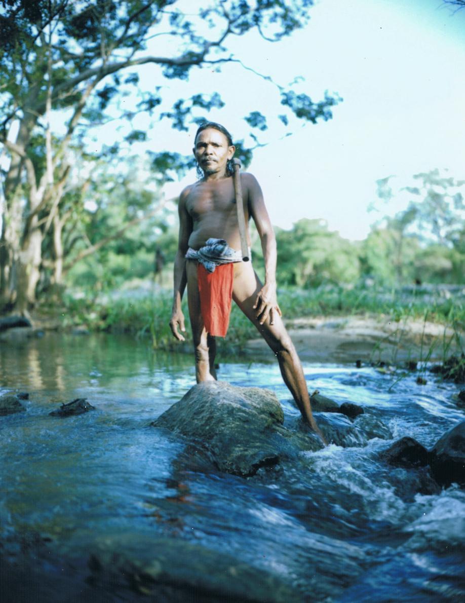 Ethnie des Veddas (2) - Sri Lanka - Mamiya Universal & dos Polaroid - Film Fuji FP100C - ©jaimelemonde.fr