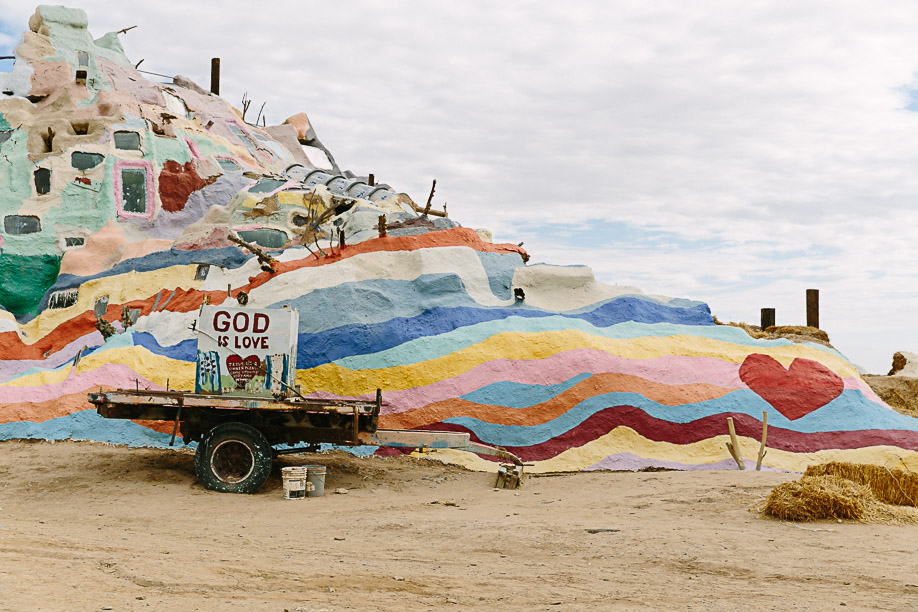 Salvation Mountain © Kat Molesworth-5