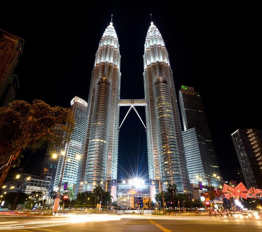 Petronas-Towers-4