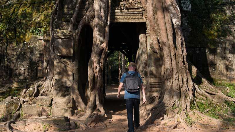 Manfrotto Bravo 30 camera bag photo shoot Angkor Wat Cambodia Di