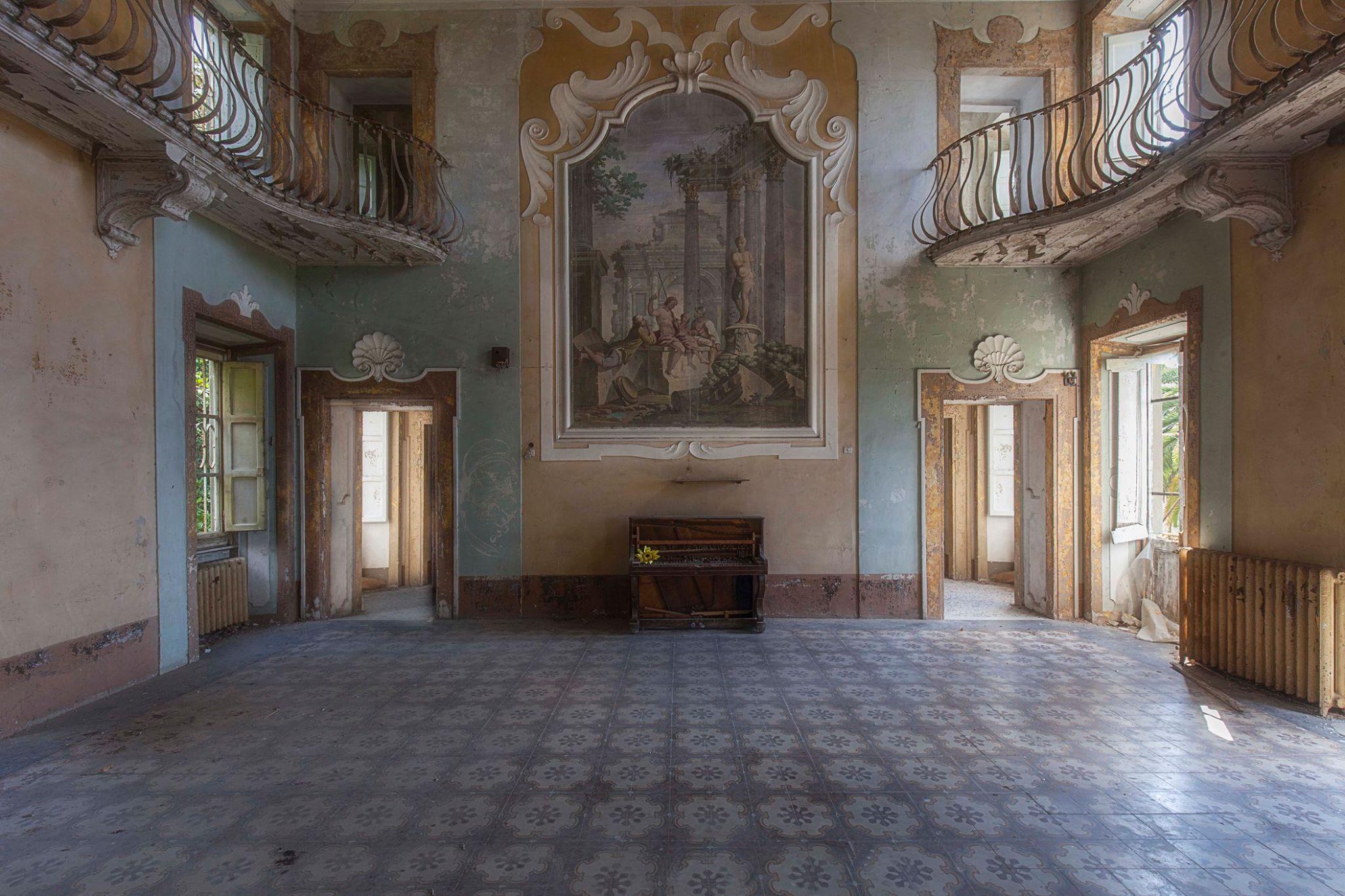 Eleonora Costi Abandoned