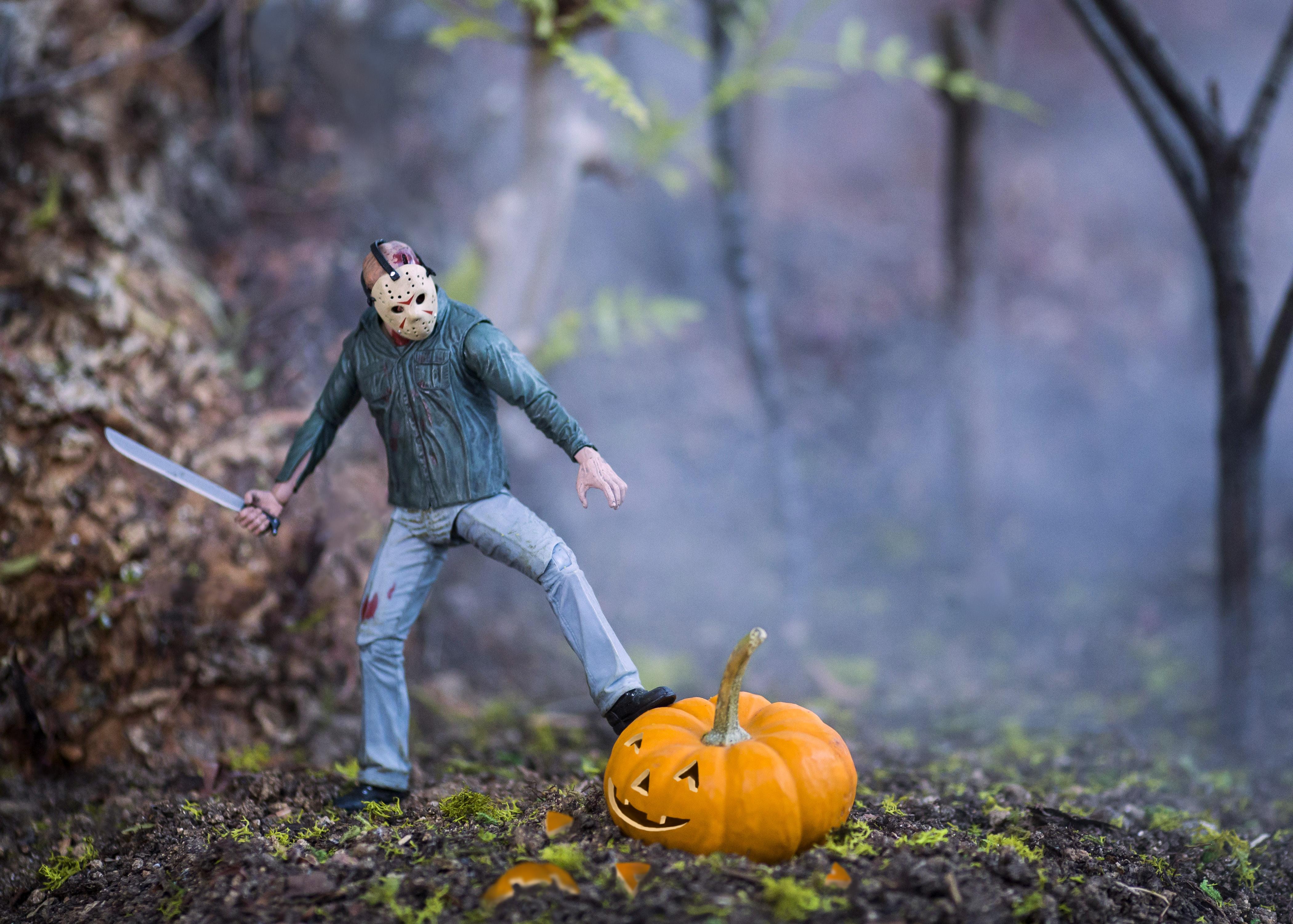 Jason Carving Pumpkin Halloween manfrotto