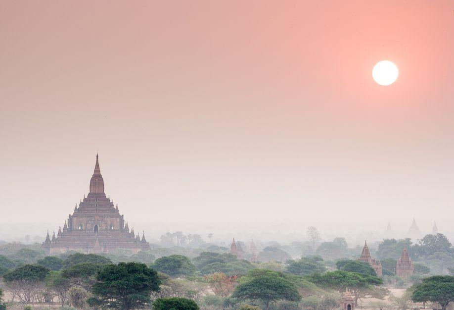 Myanmar (Burma) Bagan sunrise