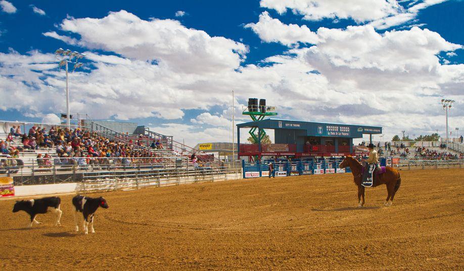 Tucson Rodeo 29 Feb 2011 Announcer copia
