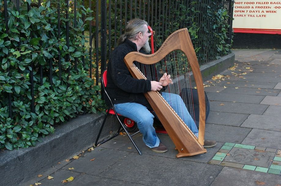Harp Player on St Benedicts Street