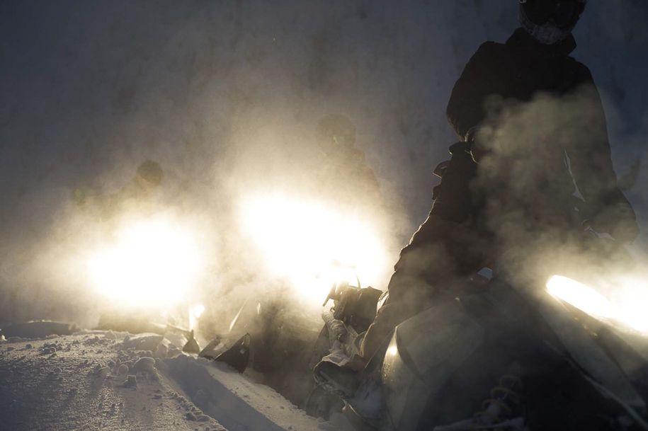 Snowmobiles_Canada_Blotto_6871