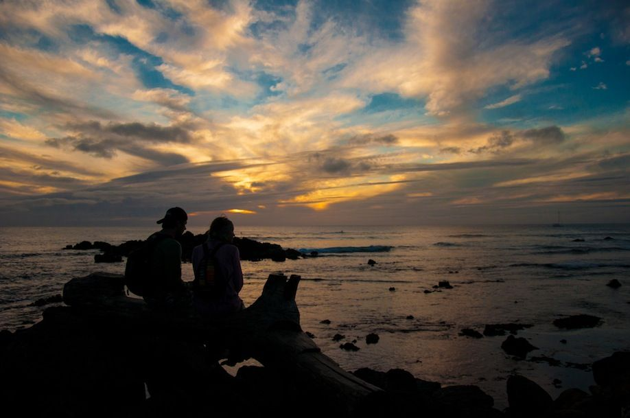 PHOTO1_A romantic sunset in Easter Island