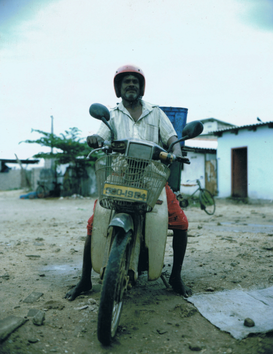 Back from the market, Jaffna - Sri Lanka - Mamiya Universal & Polaroid back - Film Fuji FP100C - ©jaimelemonde.fr