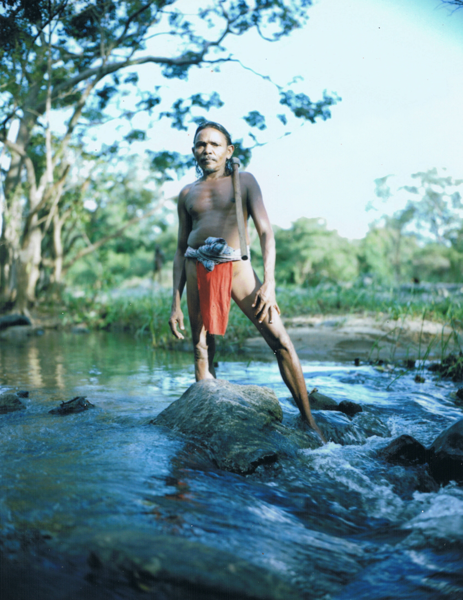 Vedda tribesman (2) - Sri Lanka - Mamiya Universal & Polaroid back - Film Fuji FP100C - ©jaimelemonde.fr
